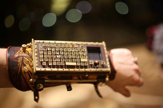 Kabelose Funk-Tastatur fürs Armgelenk