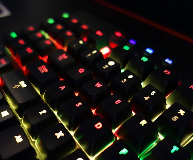 Programmierbare LED Gaming Tastatur