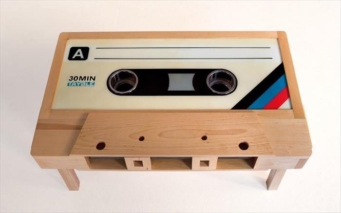 Kassetten_Couch_Tisch