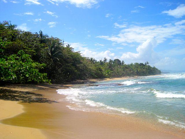 via: travelastronaut.com