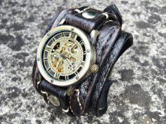 Auswahl an Steampunk Uhren