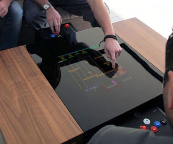 Acrcade-Spiel-Tisch