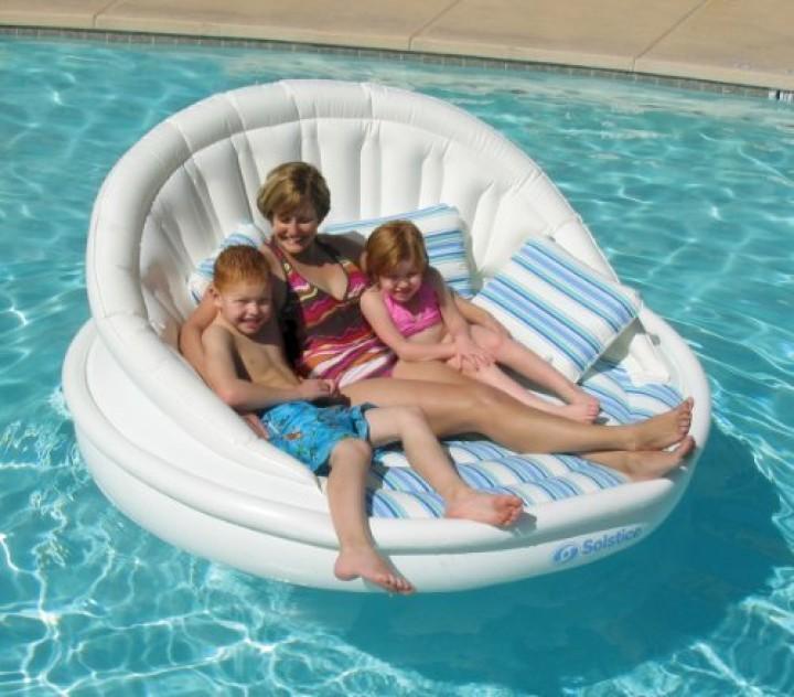 Aufblasbares schwimmendes Sofa