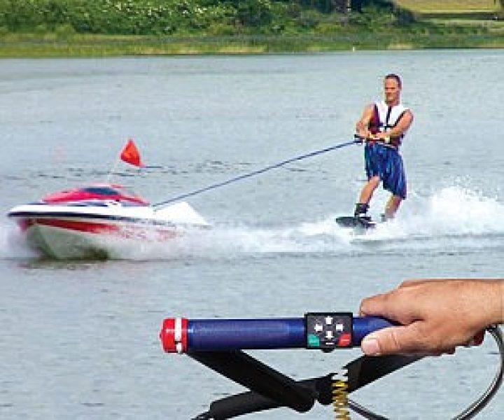 Ferngesteuertes Wasserski-Ziehboot